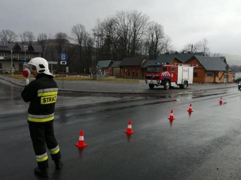 Poranna tragedia na drodze w Kamienicy. 63-letnia kobieta zmarła w szpitalu