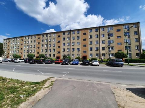 Tajemnicza śmierć w bloku na osiedlu Barskim. Znaleziono zwłoki 44-latka