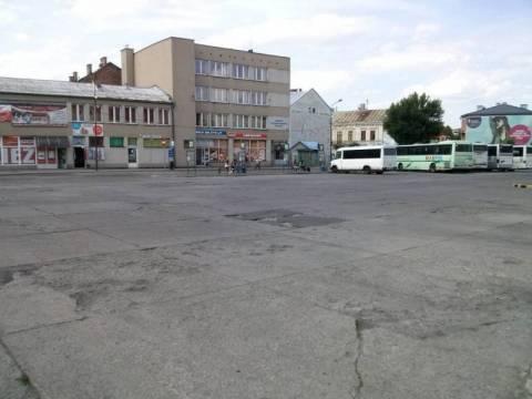 Nowy Sącz: Termin przebudowy dworca autobusowego? O 2016 roku można zapomnieć