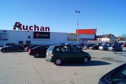 """Nowy Sącz: Auchan prześwietla - """"koduje"""" swoich klientów"""