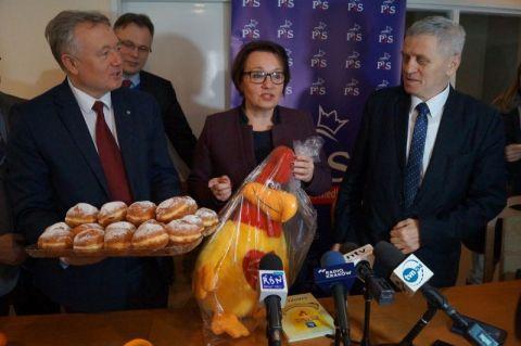 Minister Edukacji będzie robić reformę z kogutem w ręku