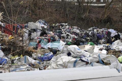 Stary Sącz: kryzys - śmieci zmieszane jak w Chełmcu, leżą odłogiem