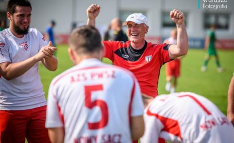 AZS PWSZ wicemistrzem Polski w Piłce Nożnej w klasyfikacji generalnej wszystkich uczelni w Polsce w roku 2021. Fot. Walusza Fotografia