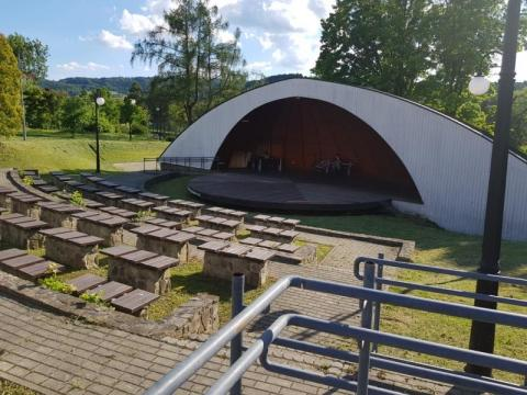 Piwniczna-Zdrój: amfiteatru nie da się przenieść. Przerobią go na tężnię?