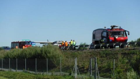 Awionetka awaryjnie lądowała na autostradzie A4
