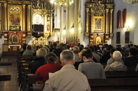 Czy Sądeczanie chodzą do Kościoła? Policzyli wiernych w sądeckich parafiach