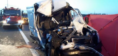 Tragiczny wypadek na A4. Cięzarówka zmiażdżyła busa z Mszany Górnej