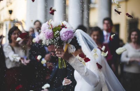 Proceder w archidiecezji. Przez oszustwo do kościelnego ślubu przed ołtarzem