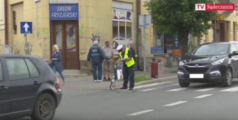 Lwowska: Kobieta potrąciła 60-latka na pasach [FILM]