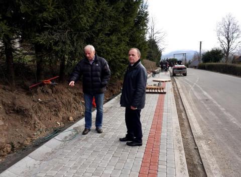 W gminie Grybów dostaną w prezencie na gwiazdkę kilometr chodnika