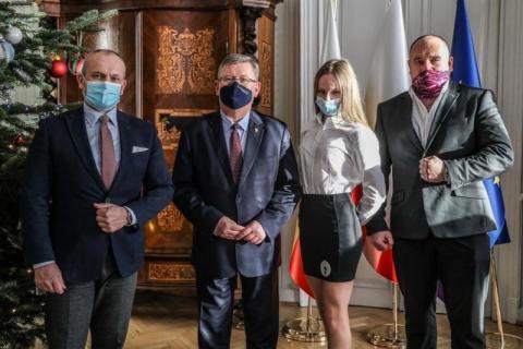 Marszałek Witold Kozłowski pogratulował sukcesów zawodnikom UKS Evan Nowy Sącz