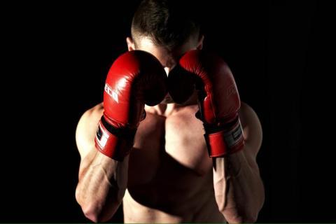 Kamil nie ma ucha. Znani bokserzy postanowili mu pomóc. Połączyła ich wola walki