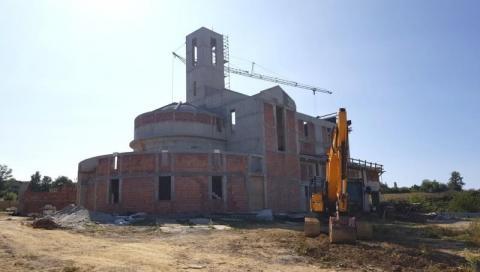 W zawrotnym tempie budują nowy kościół w Nowym Sączu