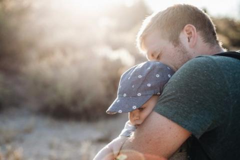 Pogodzenie życia rodzinnego i kariery zawodowej to nie lada wyzwanie. O tym, jak trudno jest łączyć te obowiązki wie każdy rodzic. Rozwiązaniem tego problemu mogą być dotacje unijne, które pozwalają tworzyć nowe miejsca opieki nad dziećmi do lat 3. Na tych, którzy chcieliby taki pomysł zrealizować czekają unijne dotacje.    W tym roku to ponad 40 mln złotych – informuje urząd marszałkowski - Nabór wniosków rozpocznie się już 18 marca.  Z diagnozy sytuacji na małopolskim rynku pracy wynika, że stopa bezroboc