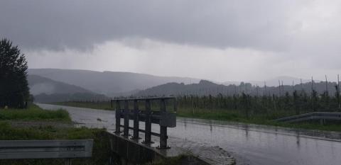 Pogoda: środa pod znakiem deszczu i burz. Wyciągnijcie kalosze
