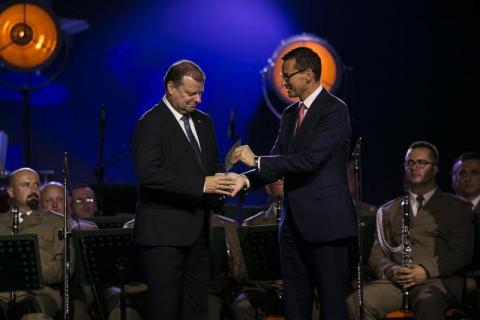 Premier Litwy Saulius Skvernelis Człowiekiem Roku Forum Ekonomicznego