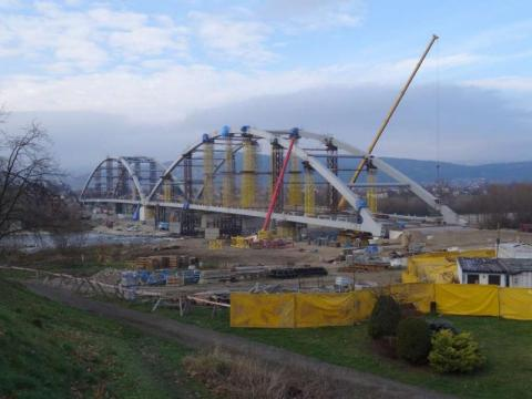 Grzegorz Mirek o trzymiesięcznym opóźnieniu budowy mostu heleńskiego