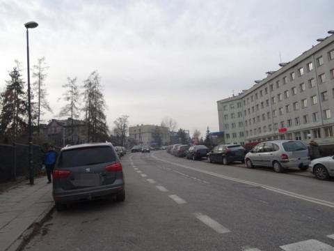 Ulica Młyńska jak wielki parking, fot. Iga Michalec