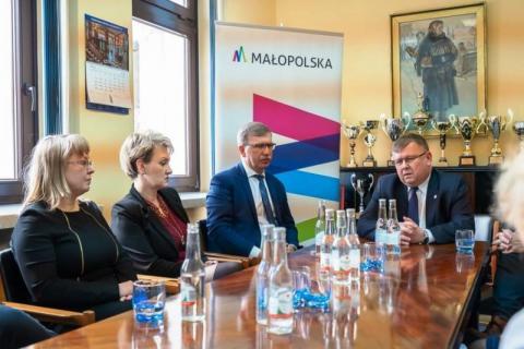 Dlaczego marszałek Kozłowski chce przejąć krynicką uzdrowiską spólkę