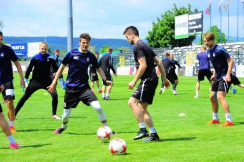 Sandecja rozgromiła Arkę Gdynię 2:0. Nowi piłkarze wzmocnią sądecki klub