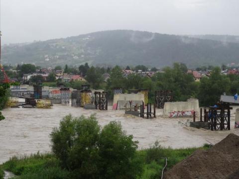 Dunajec przekroczył stan ostrzegawczy.