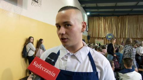 """Okrasa kłaniał się w pas uczniom """"Gastronoma"""". Kto wygrał konkurs kulinarny?"""