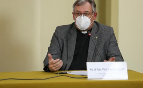 Komórki abortowanych płodów w szczepionkach? Oświadczenie polskich biskupów