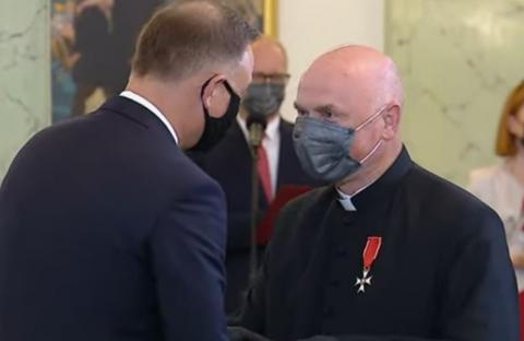 Ks. Józef Babicz z Marcinkowic otrzymał order od Prezydenta Andrzeja Dudy