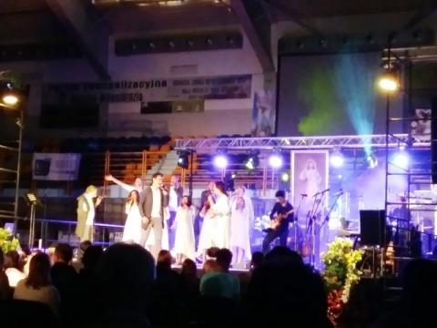 Konferencje, adoracja, koncerty... Godzina Miłosierdzia wybiła w Krynicy-Zdroju