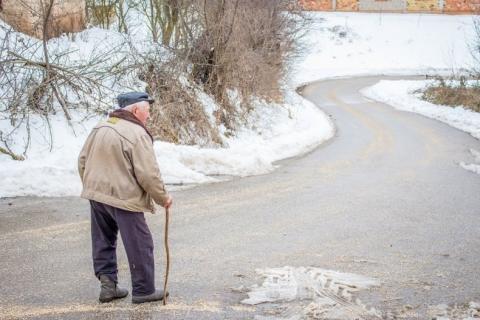 Elektroniczny Anioł Stróż idzie z odsieczą starym samotnym i chorym w Małopolsce