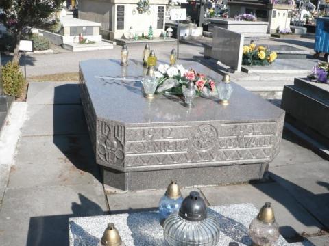 Generał Bronisław Pieracki wróci na Stary Cmentarz przy Alejach Wolności