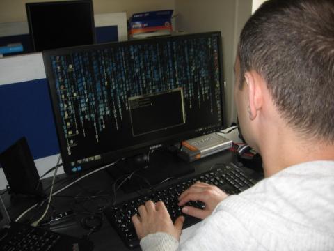 Hakerzy znowu zabawiają się w sieci. Wysyłają maile z fałszywym oprogramowaniem
