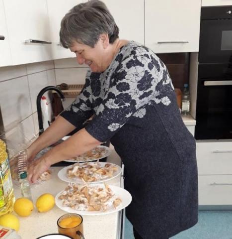 Gdzie kucharek sześć, tam... wyśmienite pączki! Słodkie popołudnie seniorów