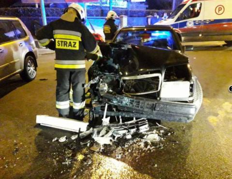Zderzenie dwóch samochodów osobowych przy ul. Węgierskiej [ZDJĘCIA]