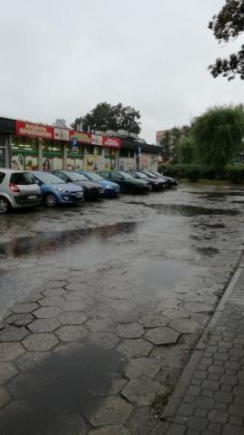 Kto powinien zapłacić za remont tego parkingu przy Barskiej?