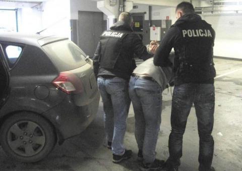 Seryjni złodzieje są już w rękach policjantów. Kradli paliwo i narzędzia