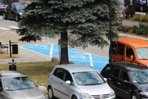 Piwniczna-Zdrój: burmistrz zrobił… rondo na rynku i niebieskie koperty