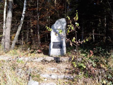 Skandaliczny pomnik w Kaninie