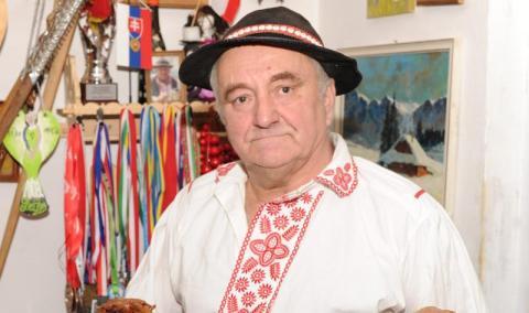 Kazimierz Basta rzeźbi od ponad trzydziestu lat