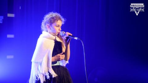 Martynka Koszkul to muzyczny wulkan energii! Śpiewa niemal bez przerwy