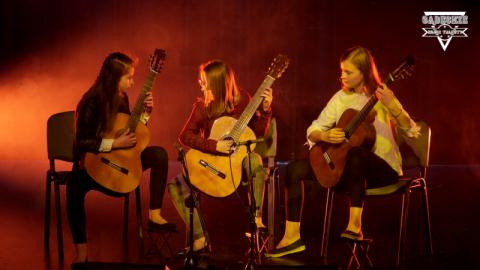 TRIO DE CHICAS – ich gitary zaklinają muzykę od cygańskiej po flamenco