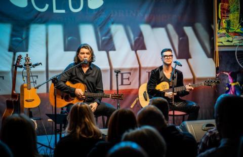 Pectus koncertował w Nowym Sączu. Sala klubowa była wypełniona po brzegi [FILM]