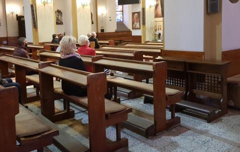 Obostrzenia w kościołach. Minister zdrowia spotkał się z sekretarzem Episkopatu