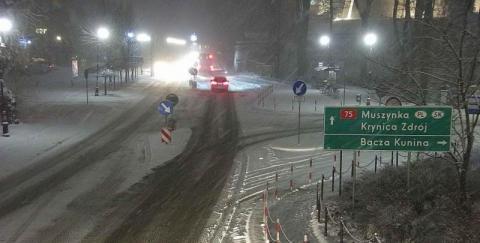 Ta noc zgotuje kierowcom prawdziwy koszmar na drodze z lodowym deszczem