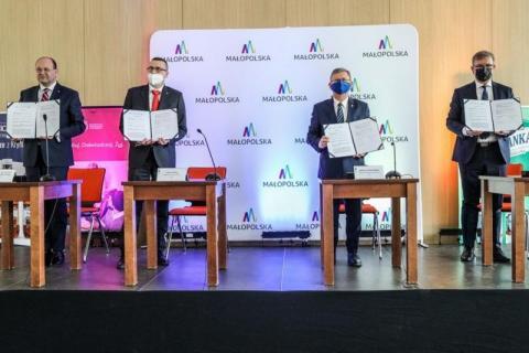 Krynica Summit: spółka, co wyskoczyła z kapelusza i publiczne miliony