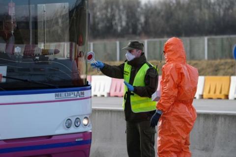 Co z podróżą na Słowację. Służby sanitarne na granicy z powodu koronawirusa