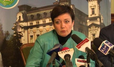 Sekretarz Brongiel zniknęła z sądeckiego ratusza i znowu została  sekretarzem