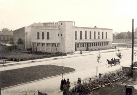 Czarno-biała Sądecczyzna (3). Pamiętacie te wydarzenia? Poznajecie to miejsce?