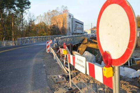 Nowy pomysł na korki. Fakro chce z wojskiem budować most na Dunajcu