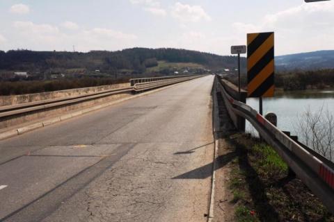 Krok do przodu, dwa do tyłu. Nie może ruszyć z miejsca budowa mosty w Kurowie